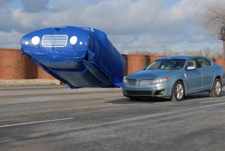 Lincoln MKS + crash ballon